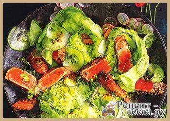 Салат с лососем и терияки